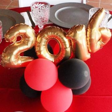 Black, Red & 2016 – Centerpiece