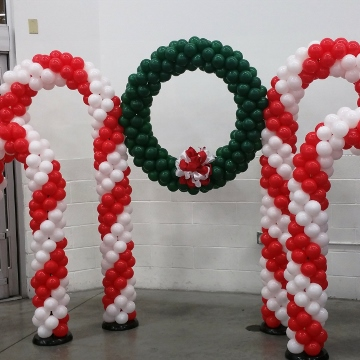 Candy Canes and Wreath – Columns